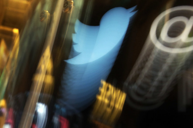 twitter-effectively-makes-tweets-longer-with-hand-2-27477-1464067020-1_dblbig